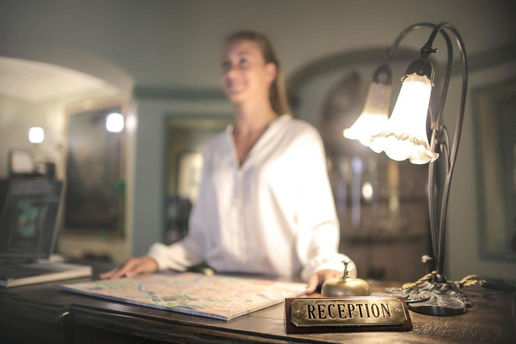 currículum de recepcionista de hotel