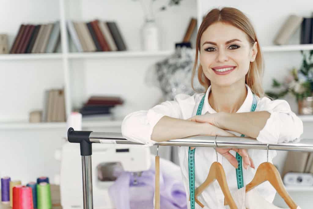 Currículum vitae de diseñador de modas