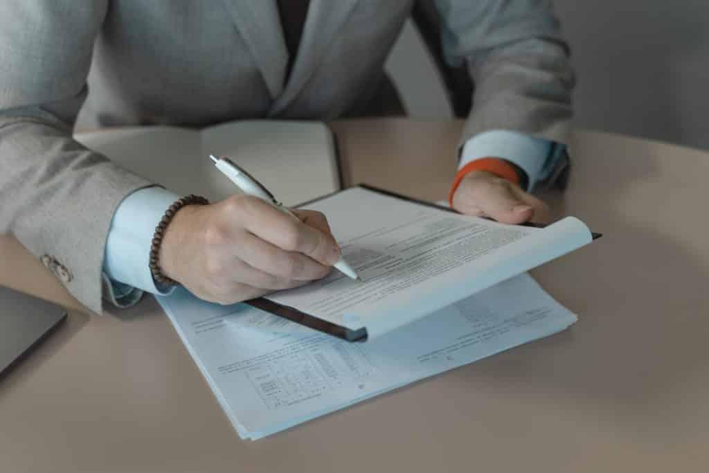 Cómo redactar un currículum para bricomart