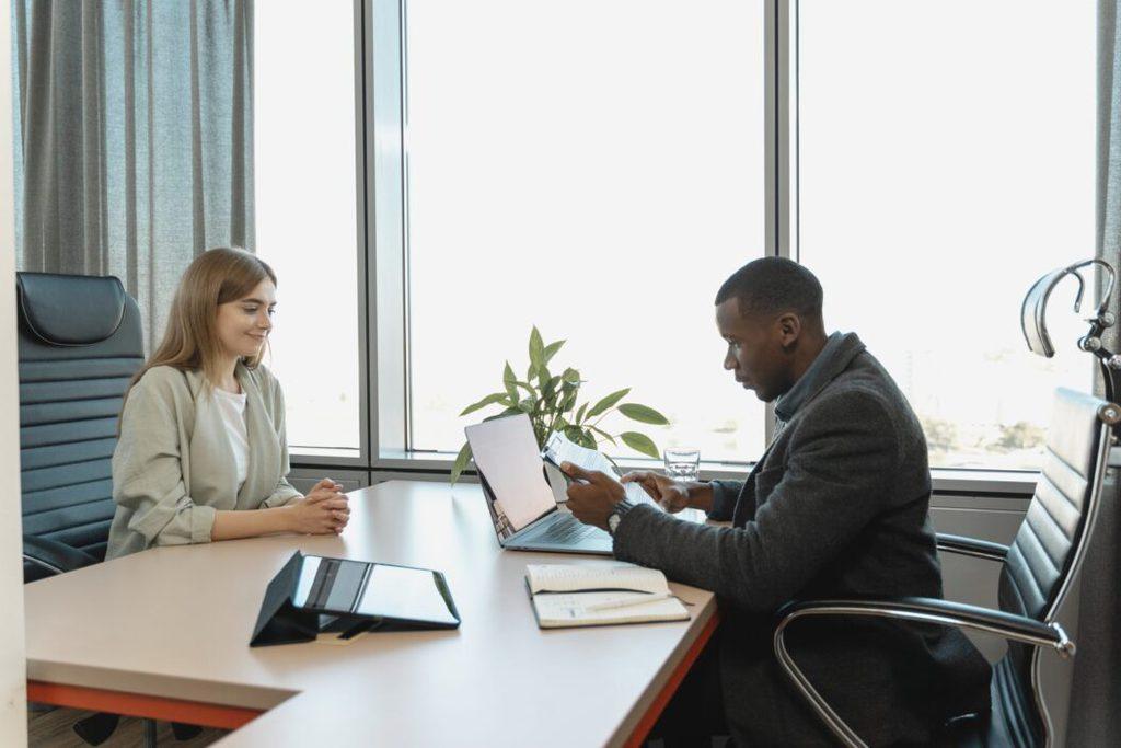 Claves de éxito para superar los nervios en una entrevista